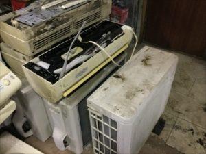 福山市港町付近で回収したエアコンです。
