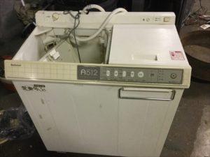 福山市田尻町付近で回収した二層式洗濯機です。