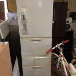 福山市吉津町付近で回収した冷蔵庫です。