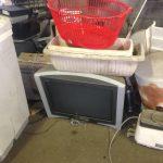 福山市大門町付近で回収させて頂いた液晶テレビです。