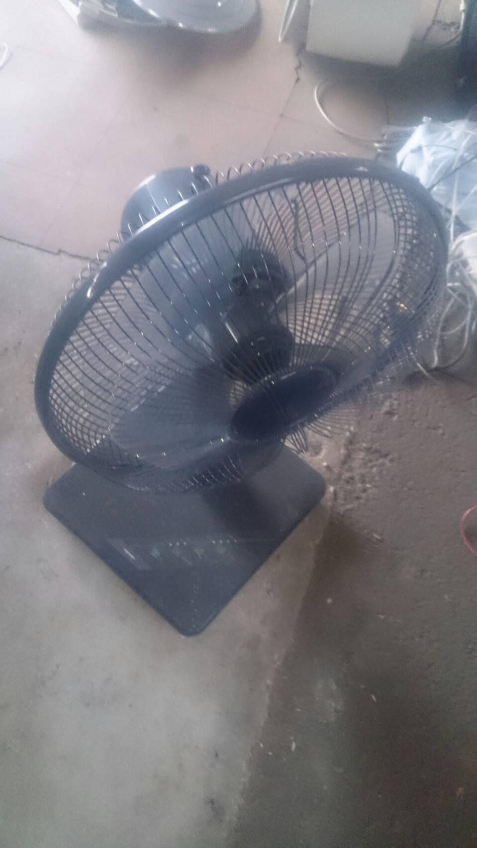 尾道市門田町付近で回収した扇風機です。