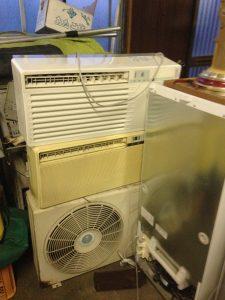 尾道市吉浦町付近で回収したエアコンです。