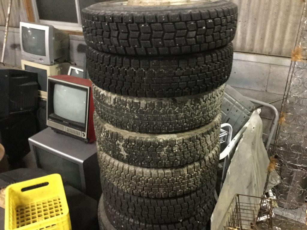 福山市明王台付近で回収させて頂いたたくさんのタイヤ