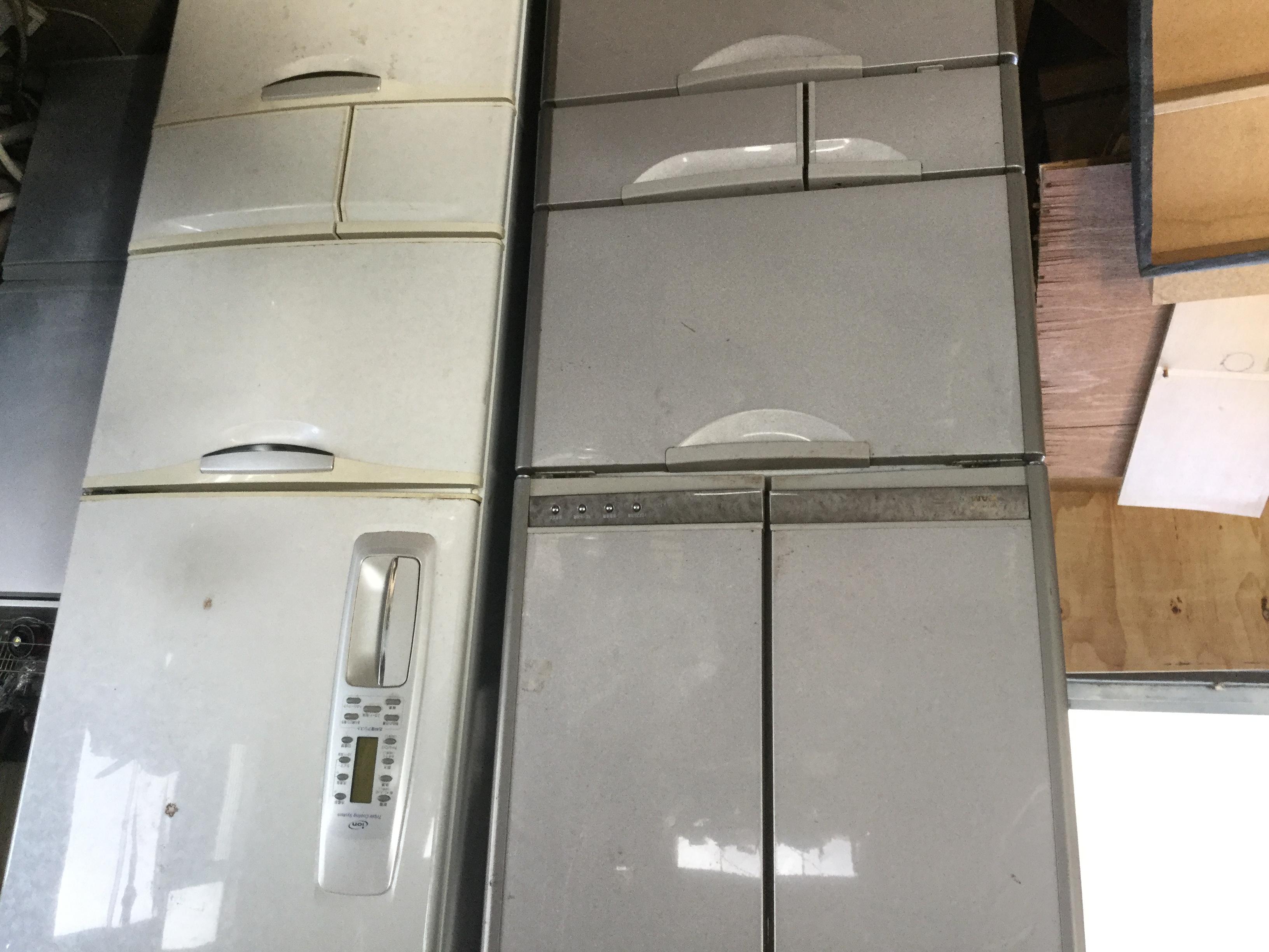 福山市明王台付近で回収した大型冷蔵庫2台