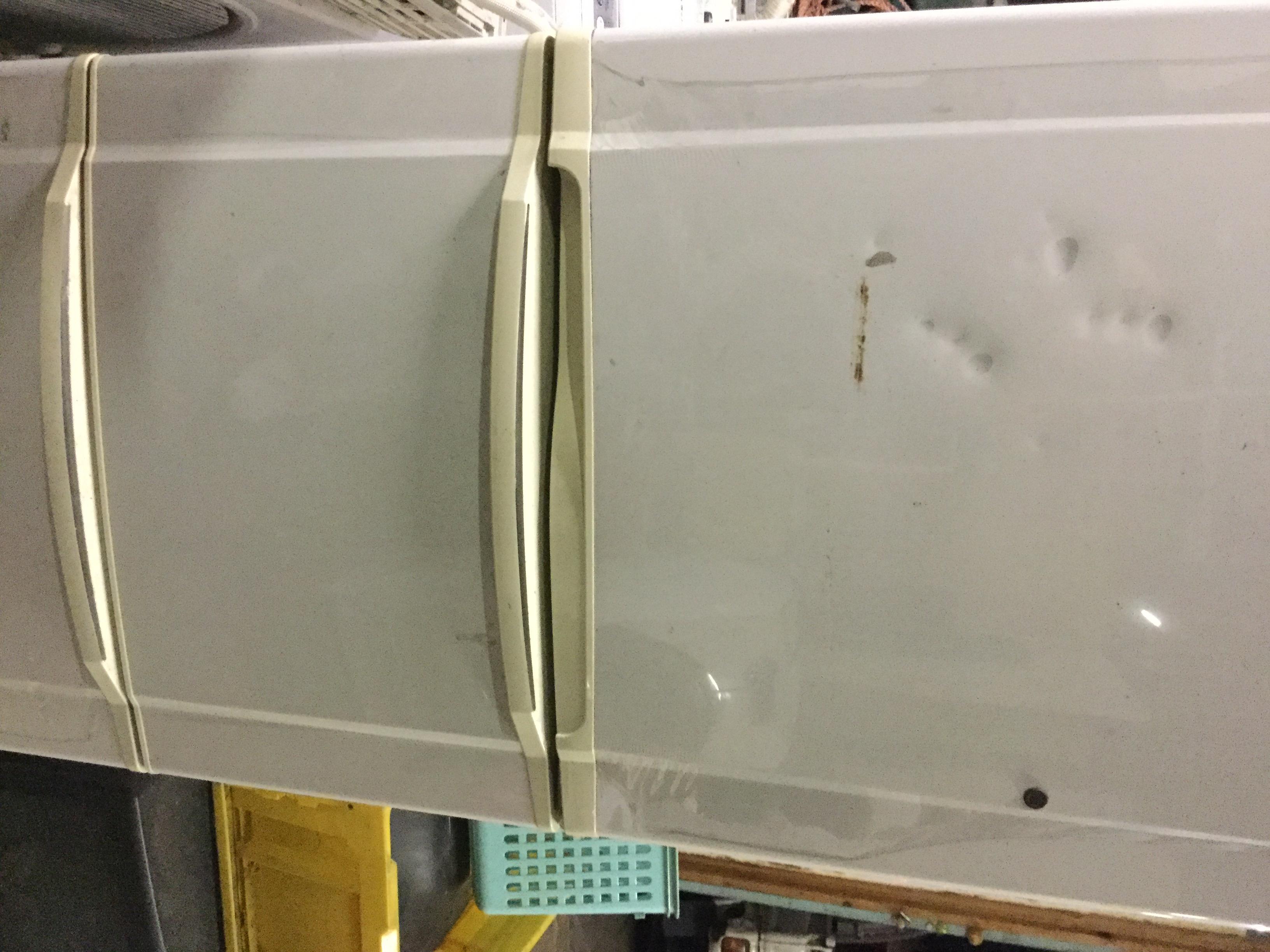 福山市大門町付近で回収した大型冷蔵庫