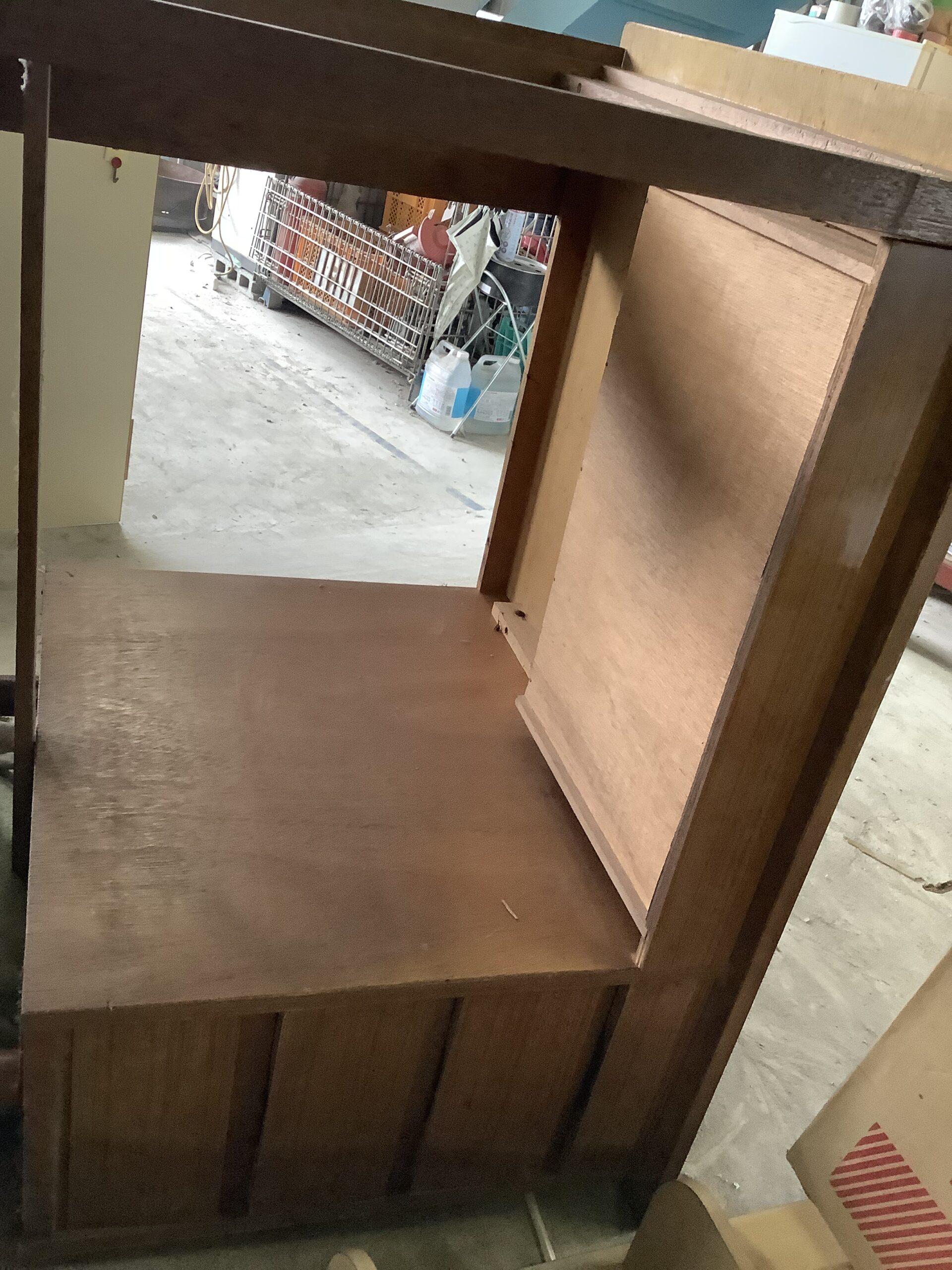 福山市延広町で回収した机