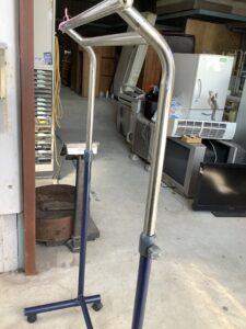 福山市川口町で回収したハンガーラック