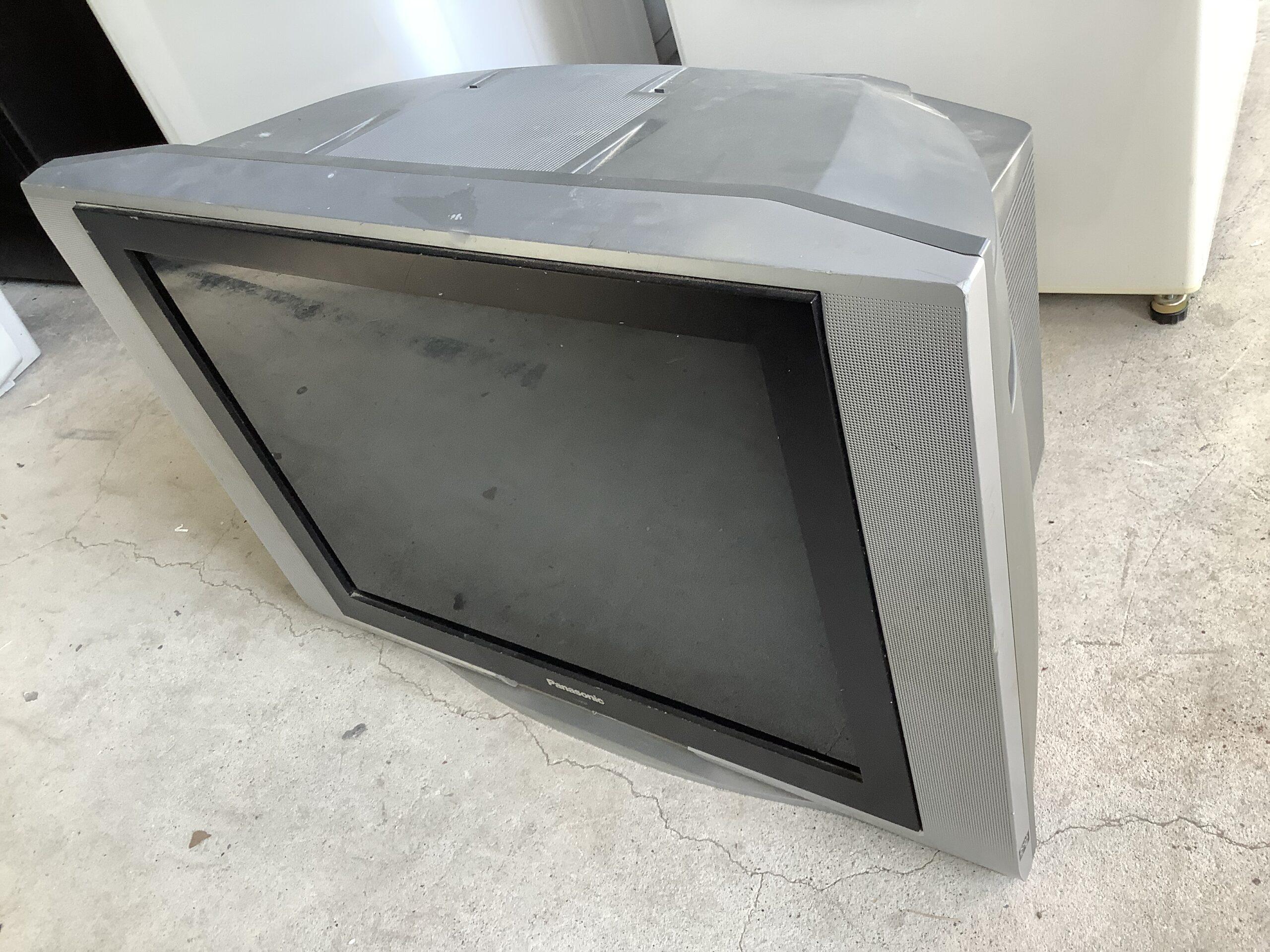 福山市引野町で回収したブラウン管テレビ