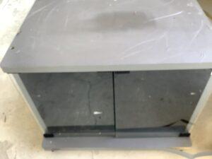 福山市大門町で回収したテレビ台