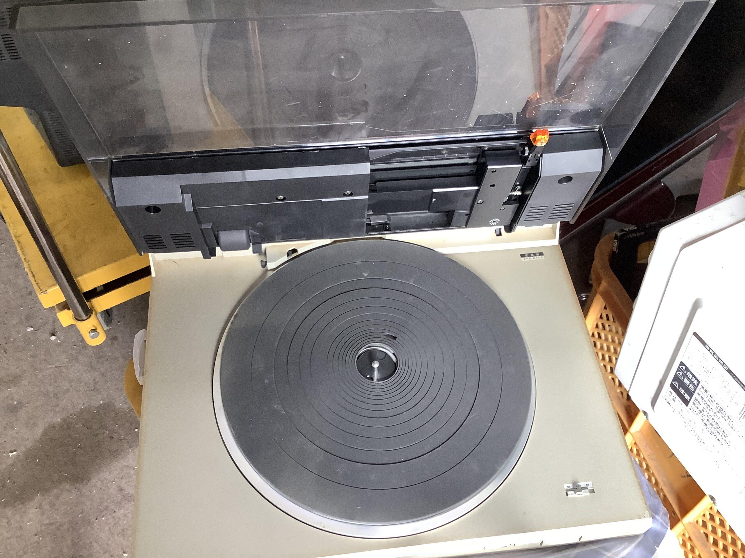 福山市熊野町で回収したレコードプレーヤー